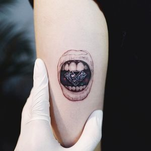 Tattoo by Nando #Nando #besttattoos #illustrative #realism #realistic #mouth #lips #diamond #gem #teeth #jewel