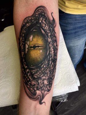 Godzilla eye #tattooartist #eyetattoo #Godzilla #blackandgreytattoo #realistic #irishink