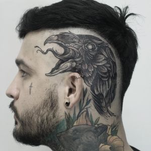 Tattoo by Guadalupe Carlota #GuadalupeCarlota #darkarttattoos #blackwork #illustrative #vulture #bird #feathers #animals #scalptattoo