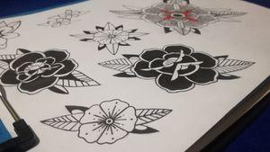 #flashtattoo #rosetattoo #flowerssheet #black #traditionalflower #rose