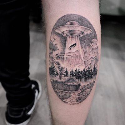 Tattoo by Simone De Masi #SimoneDeMasi #alientattoos #illustrative #blackandgrey #ufo #spaceship #sky #cabin #forest #mountain #abduction #scifi #alien #moon
