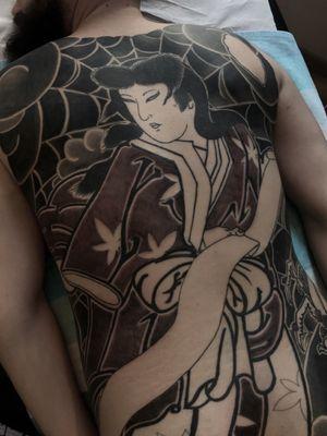 In progress. #btattooing #blackboldsociety #blacktoptattooing #BLXCKINK #oldlines #tattoosandflash #darkartists #tattoosandflash #topclasstattooing #darkartists #thebesttattooartist #japanesetattoos #irezumitattoo #horimono #tatuaggiogiapponese #orientaltattoos #irezumcolletctive #waterlawtattoobutter #tattoodo #tattoodoambassador