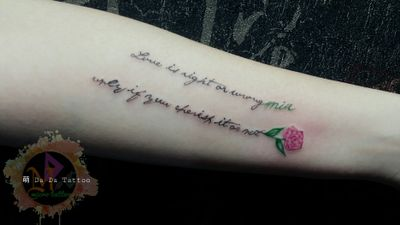 #英文字句Tattoo 🔸 英文字句+玫瑰花🌹 #Taiwan #Tainan #Tattoo #Designer #Meng #DaDa #Simple #style #tattoo #Korean #style #tattoo #Girl #tattoos #European #American #tattoos #English #Word #Creative #Unique #Customers can specially design tattoo #Lipstick #Electrocardiogram #台南女刺青師FB陳宥璇 https://www.facebook.com/profile.php?id=100000246831895 #萌DaDatattoo粉專連結 https://www.facebook.com/shiuan79/ #LINE萌噠噠 : 🆔 shiuan79 #LINE:ID連結網址☞http://line.me/ti/p/Eb-zaYDGdt #您的刺青故事由萌DaDaTattoo幫您完成雖然我們不是最優秀的但我們會盡我們所能為您們服務到最好🤗