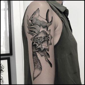 Fox tattoo by Alice Totemica #totemica #tunguska #black #sacred #heart #fox #roses #tattoo #redcouchtattoo #milano #italy #blacktattooart #tattoolifemagazine #tattoodo #blackworkers #blackwork