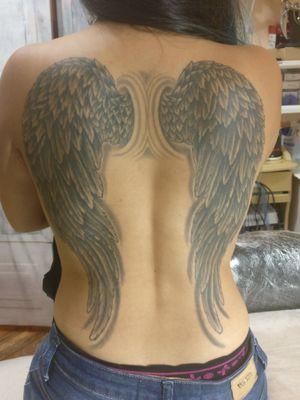 TATTOO asas em preto e cinza, cicatrizada acerca de 2 anos e meio... wings black 'n' gray, healed about two 'n' half year... #tattooart #tattoobrasil #blackandgreytattoo #tatoodo #mauriciotatuador #wings #asas #blackandgrey #cicatrizada #healed #backpiece