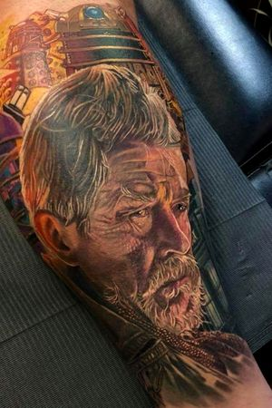 DR WHO WAR DOCTOR #realismtattoo #tattoorealistic #portraittattoo #portrait #portraittattoos #drwho #artbytodo