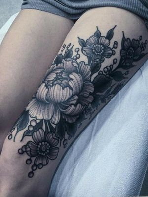 anemones and asters. love this one so much! . . . . #flowertattoo #blackwork #blackworktattoo #blackworkflowers #anemones #aster #beautifultattoo