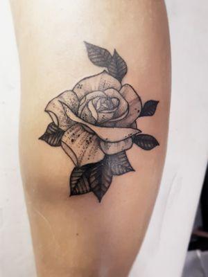 Referencia trazida pela cliente, rosa ornamental feita em #dotspeed, feita em 2hs