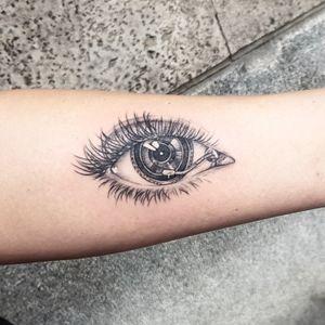 I love techno 🎧 #tattooartist #techno #ilovetattoo #TattooGirl