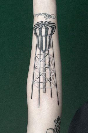 Thanks Una, for picking one of my designs✌🏼 #antwerpen #inked #tattoo #tttism #tattrix #blackworkersubmissions #blxckink #blacktattooart #darkartists #blacktattoo #tattoodo #equilattera #btattooing #inkedmagazine #inkselection #fineline #tattooistartmag #singleneedle