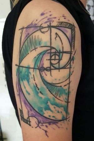 Healed. #AbstractTattoos #Fibonacci #Fibonaccispiral #fibonaccitattoo #mathtattoo #infinity