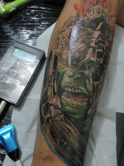 Finalizado #Hulk #heroes #MarvelTattoo #marvel #tatuagemcolorida #realistic #realism #realismo #realismocolorido #AvengersTattoo #vingadores #tiagomatuto