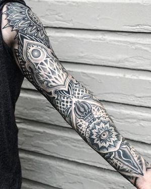 LOYALTY Thank you @reign_cloud for staying the course and always following through! it's rare... #allsacredtattoo  #gratitude #sleeve #ornamental #mandala #dotwork #sacredgeometry #fire #thirdeye