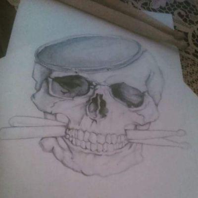#skull #skulltattoo #skulls #drums #drumsticks #musictattoo #music #lovemusic #caveiras #caveira #tattooart #tattooartist #baquetas #baqueta #bateria #musica #blackandgrey #blackandgreytattoo #blackAndWhite