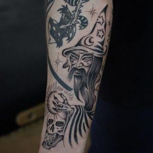 Tattoo by Franco Maldonado #FrancoMaldonado #besttattoos #wizard #blackandgrey #illustrative #surreal #moon #star #orb #skull #death #magic