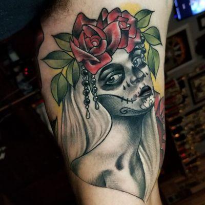 #dayofthedead #diadelosmuertos #lady #ladyface #skullmakeup #skullpaint #rose #neotraditionaltattoo #neotraditionaltattoo #neotrad