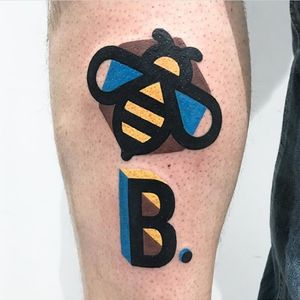 B, BEE. DESTRUTTURATO STYLE. Done at Mambo Tattoo Shop in Meda, Italy.