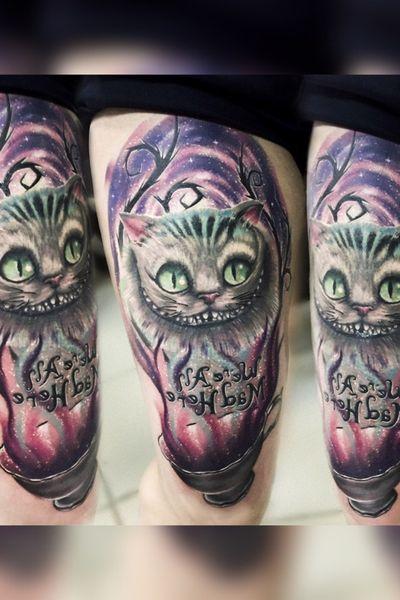#hand #handtattoo #tattooart #realism #realistic #Tattoodo #tattoopharma #worldfamousink #realismtattoo #blackandgrey #blackandgreytattoo #69level #cheshirecat #cheshirecattattoo #smile