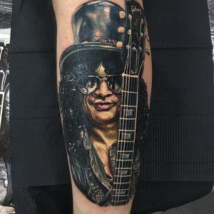Slash Tattoo by Alex Rattray #AlexRattray #realism #realistic #hyperrealism #portrait #popculture #Slash #GunsNRoses #rockandroll #music #musictattoo #guitar #gibson #guitarist #famous