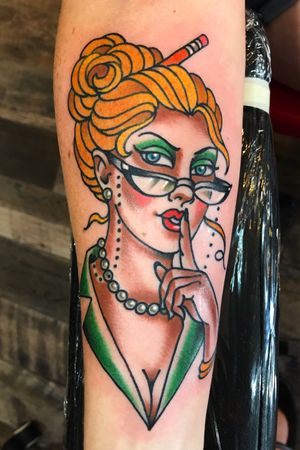 This sexy librarian features #kingyocolor green and carmel. The carmel makes avgreat skintone. #ladyhead #librarian #neotraditionaltattoo