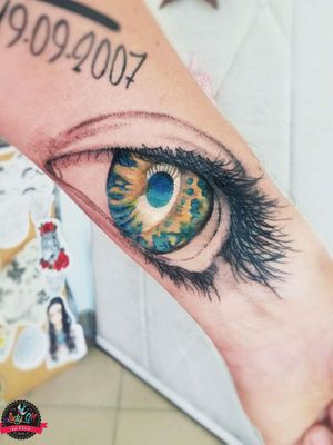 #eye #eyetattoo #black #lines #dots #blue #white #green #yellow #color #armtattoo