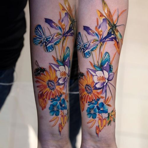 New York tattoo studio: First Class Tattoos, done by Mikhail Andersson #watercolor #newyork #flowers #butterflies