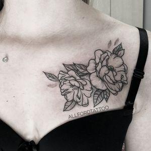 My project . . #tattooart #tattooartist #flowertattoo #flower #tattooeurope #tattooculture #tattooukraine #tattooodessa #tattoovienna #tattooberlin #graphictattoo #minimaltattoo #flowerstattoo #mandalatattoo