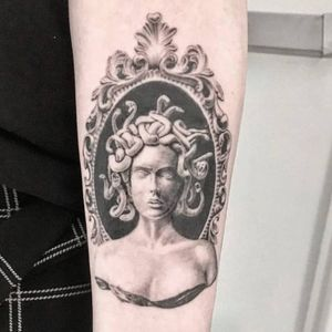 New York tattoo studio: Red Baron Ink West, done by Val Yoma #blackandgrey #bust #blackwork #newyork