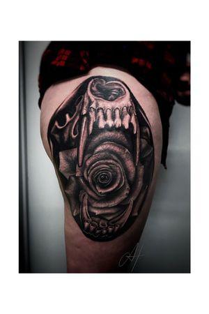 Fun piece i did a while back! Thanks for looking 😁 #tattoos #blackandgray #inktherapy #silverbackink #cheyennehawkpen #cheyennespirit #ttech #h2ocean #stencilstuff #truetubes #skulltattoo #rose #rosetattoo #thanksforlooking #southernutahtattoos