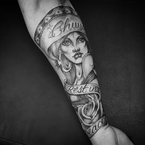 Tattoo by Chuco Moreno #ChucoMoreno  #letteringtattoos #lettering #text #quote #script #blackandgrey #lady #RIP #rose #banner #jewelry #sombrero #flower #portrait #babe