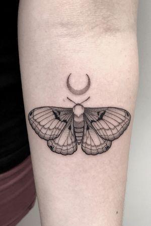 """""""Moth""""  -  INSTAGRAM:  _mfox                                                    #art #moth #tattoo #blackwork #blackworktattoo #blacktattoo #blackandgrey"""