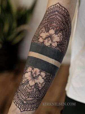 Another tattooer did the black band