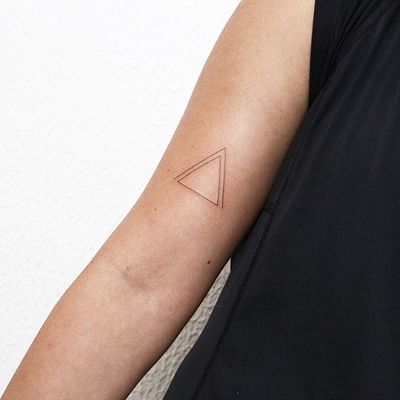 #linework #triangle #fineline