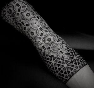 Geometric pattern sleeve. #noksi #noksitattoo #dotwork #dotworktattoo #wip #geometrictattoo #sacredgeometry #sacredgeometrytattoo #sleevetattoo #patterntattoo
