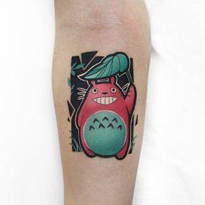 Tattoo by Polyc.sj #polycsj #animetattoos #anime #manga #newschool #color #Totoro #forest #spirit #yokai #plant #leaf #cute