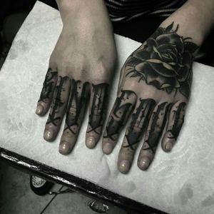 #letteringtattoo #Black #fingertattoos