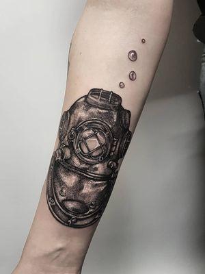 Instagram: @olga_tattoos E-mail: Olgamdtattoos@gmail.com #diver#diverhelmet#divinghelmet#vintage#diving #london#londontattoos#shoreditch#customdesign#customtattoos#bw#blackink#blscktattoos#tattoo#tattoos#tattooed#tattooers#blackwork#blackink#blackworkers#blackworkers_tattoo#ttt#tttism#ldnttt#london#ink#londontattoos#uktattooers#blacktattoos#blackandgrey#blackandgreytattoos#realistictattoo#art#blackandgreytattoos#posTTT#loveiTTT