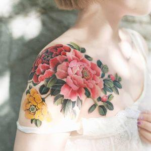 Peony by SION (@tattooistsion) #flowertattoo #floraltattoo #Korea #KoreanArtist #tattooistsion #colortattoo #flower #flowers #oriental #peony #peonytattoo #coverup