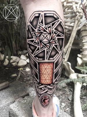 #darkartist #biomechanicaltattoo #lineworktattoo #lines #mandalatattoo #geometrictattoo #geometria