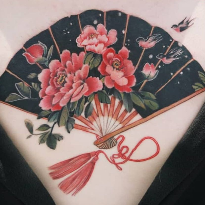 Three swallows and fan with blossoming peonies by SION (@tattooistsion) #flowertattoo #floraltattoo #Korea #KoreanArtist #tattooistsion #colortattoo #flower #flowers #oriental #peony #peonytattoo #swallowtattoo #fantattoo #orientaltattoo
