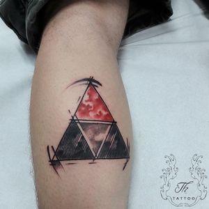 Tatuaj Zelda #thtattoo #legendofzelda #tattoobucharest #tatuajebucuresti #bucharest #bucuresti #romania #tattoooftheday #salontatuajebucuresti #salontatuaje #ideeatattoo #legtattoo www.tatuajbucuresti.ro
