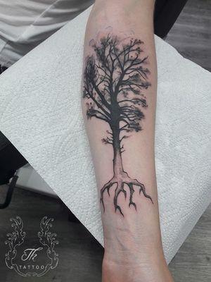 #thtattoo #treetattoo #naturetattoo #tatuaje #tatuajebucuresti #tattoobucharest #bucharest #bucuresti #romania #blackandgreytattoo #tatuajeantebrat #tatuajesector1 #bucharestink #tattoooftheday  #Tattoodo #salontatuajebucuresti  #salontatuaje