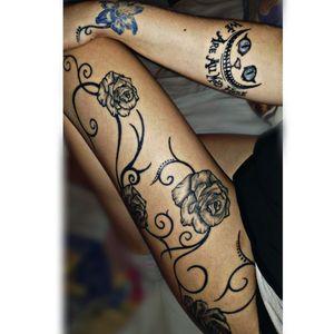 #rosestattoo #AliceinWonderlandtattoo #tattoart #flowertattoo #cattattoo #roses #blackrosetattoo #flowers #blueeyes #blackartwork #blacktattoos #weareallmadhere #cheshirecattattoo