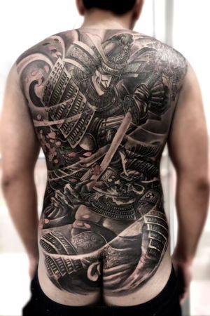 Back piece-Charming Samurai done by Hailin Fu @hailin_fu_tattoo #tattoo #backtattoo #chineseartist #hailintattooshop #skinandink #losangelestattoo #japanesesamurai #backtattoo #skindeep #blackandgreytattoo #warriortattoo #evil #chinesetattooartist #swordtattoo #justice #superhero #japanesetattoo