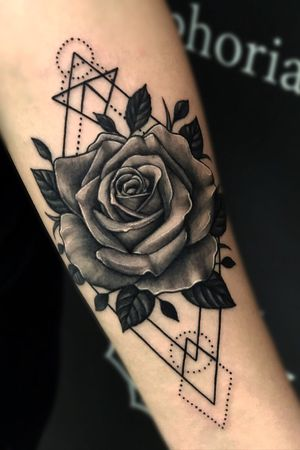 Rose design , Lets Create your custom tattoo. @kevinibanezink