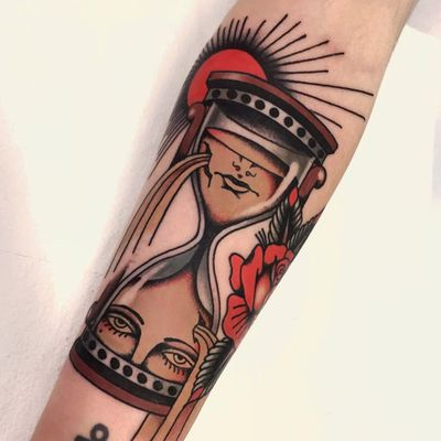 Tattoo by Pablo Lillo #PabloLillo #hourglasstattoos #hourglass #time #glass #portrait #face #lady #sand #rose #flower #floral #leaves #sun #surreal #strange