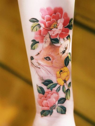 A fox and peonies on top of the scar by SION (@tattooistsion) #flowertattoo #floraltattoo #Korea #KoreanArtist #tattooistsion #colortattoo #koreatattoo #flower #flowers #oriental #foxtattoo #peony #peonytattoo #coverup #flower #fox #watercolortattoo