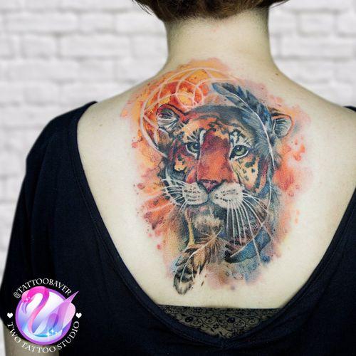 Акварельный тигр с ловцом снов и акварельными перьями