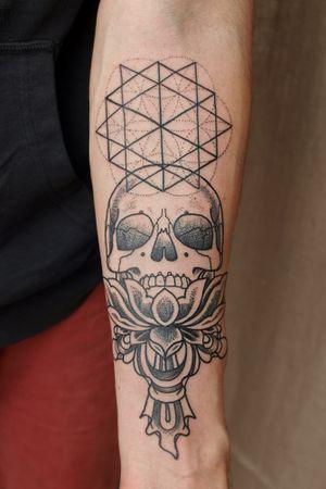 #dotworktattoo #sacredgeometry #skulltattoo #lotustattoo #psychedelic