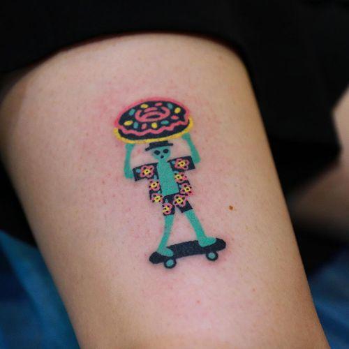 Tattoo by Zzizziboy #Zzizziboy #donuttattoo #donut #doughnut #foodtattoo #food #sweets #comfortfood #cute #funny #newschool #dessert #skateboard #flowers #alien #cute #small #handpoke